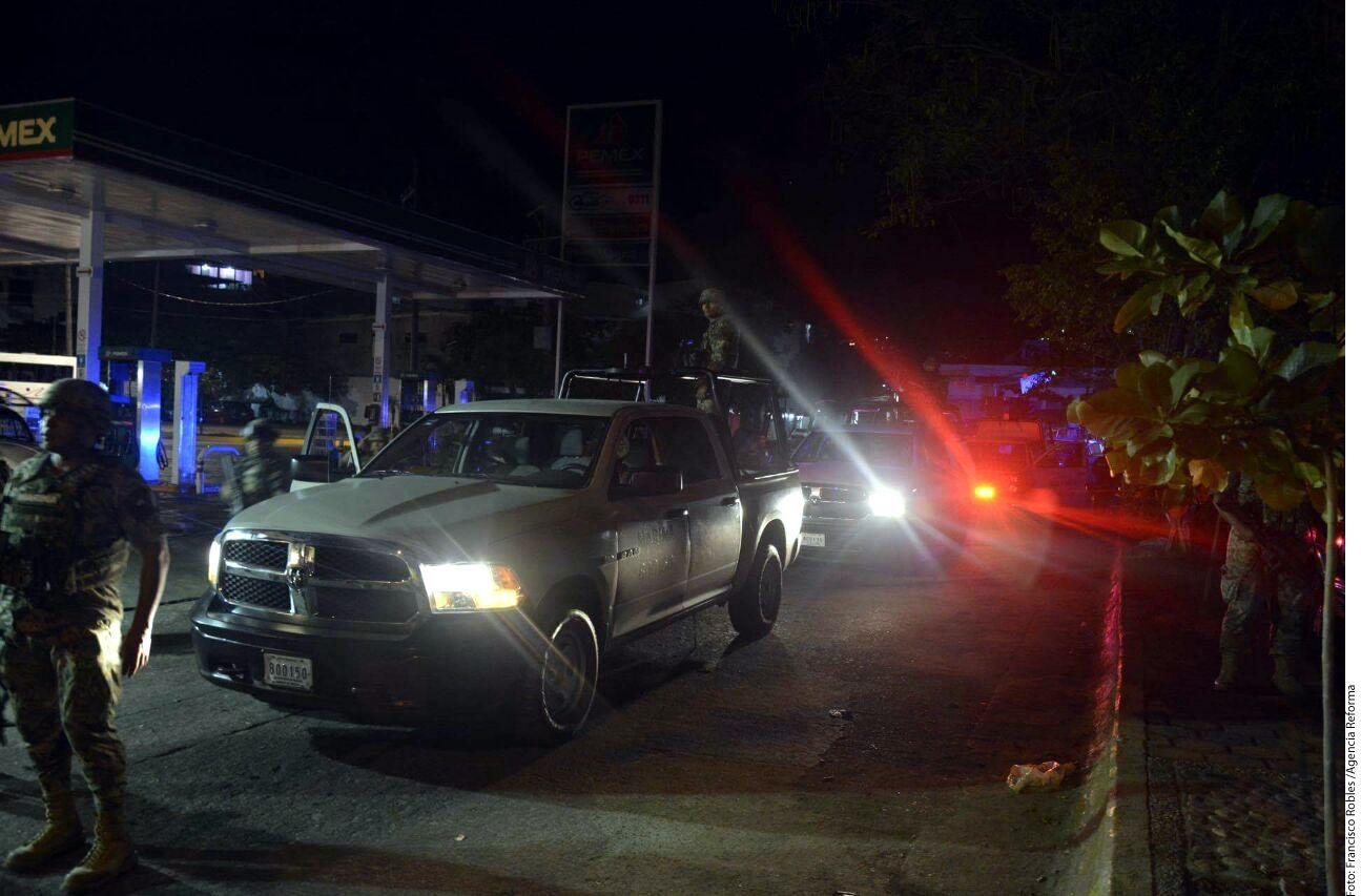 Elementos de la Marina acudieron al apoyo de la Policía Federal, quienes se enfrentaron anoche a balazos con presuntos delincuentes./AGENCIA REFORMA