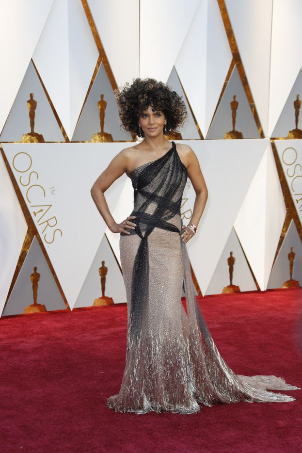 Halle Berry arrives at the 89th Academy Awards on Sunday, Feb. 26, 2017, at the Dolby Theatre at Hollywood & Highland Center in Hollywood. (Jay L. Clendenin/Los Angeles Times/TNS)