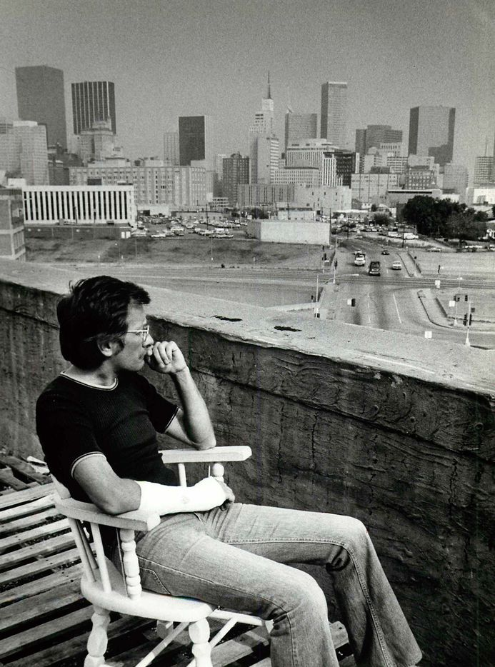 Sept. 23, 1979: Gordon Bellamy enjoys the view of the Dallas skyline from the roof of the Ambassador Hotel.