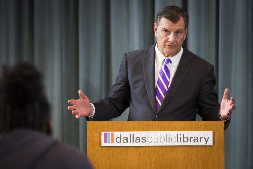 Mike Rawlings envió una carta a la oficina electoral del condado por las denuncias de posible fraude en elecciones de West Dallas.