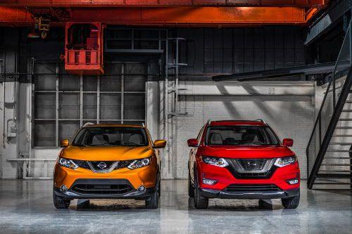 El 2017 Nisan Rogue Sport (izq), y el 2017 Nissan Rogue. Foto Cortesía de NISSAN.