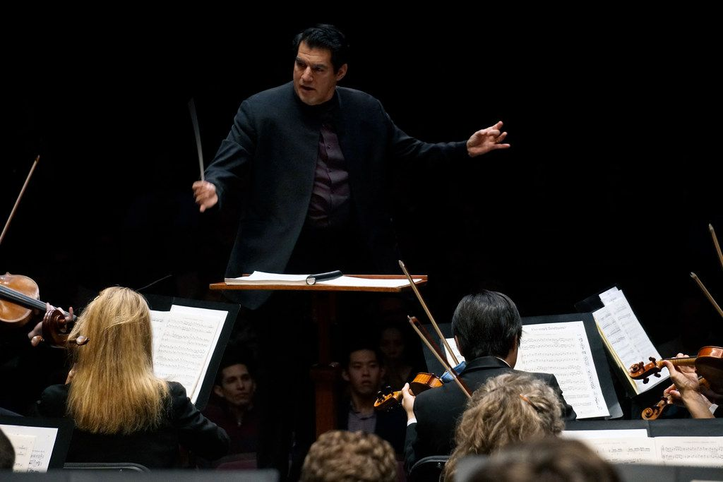 Miguel Harth-Bedoya conducted the Fort Worth Symphony Orchestra at Bass Performance Hall in Fort Worth on Jan. 11. He opens his final season at the helm of the orchestra on Saturday.