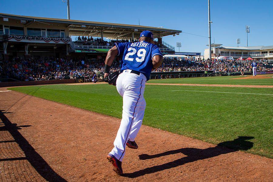Adrián Beltré bateó hits en sus primeros dos turnos de la primavera con los Texas Rangers. Foto DMN
