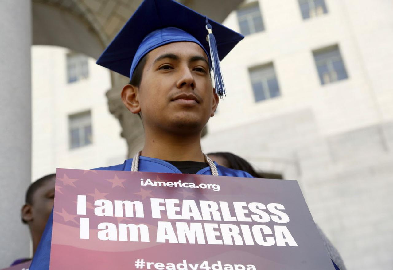 José Montes, un beneficiario del programa DACA, durante una protesta a favor del plan ejecutivo de Barack Obama. (AP/NICK UT)