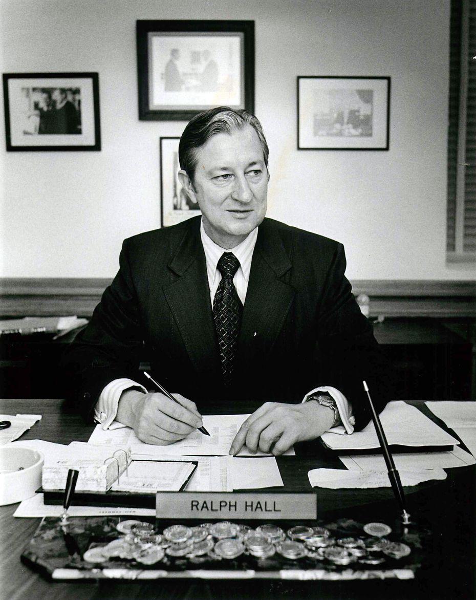 State Senator Ralph Hall in January 1971 in Austin.