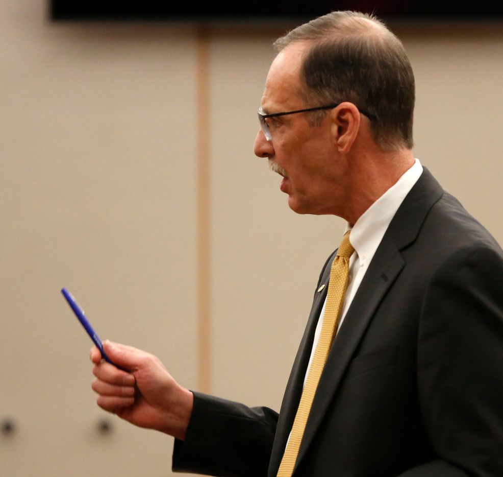 Defense attorney Bob Gill gives a closing argument during Roy Oliver's murder trial in the death of 15-year-old Jordan Edwards.