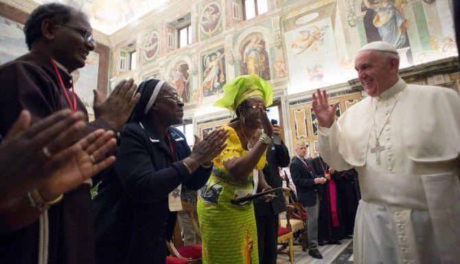 La postura conciliadora de Francisco con algunos temas no cuadra del todo en la iglesia católica estadounidense. (AFP/GETTY IMAGES/OSSERVATORE ROMANO)