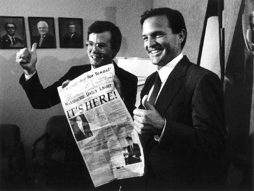 In this 1988 file photo, U.S. Rep. Joe Barton (left) poses with then-state Sen. Chet Edwards.