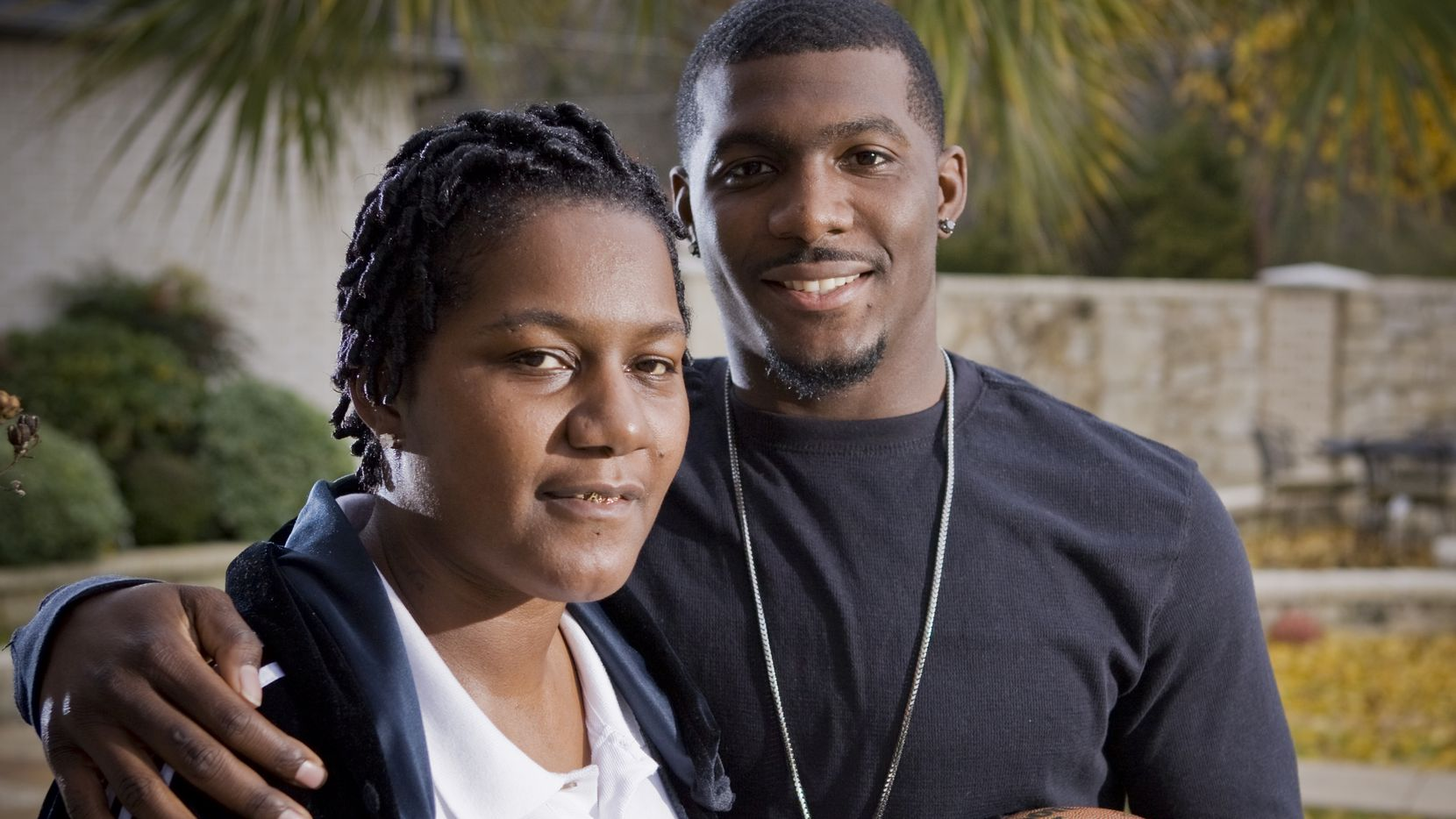 Dez Bryant S Mom Reveals On 911 Call I Can T Keep Letting