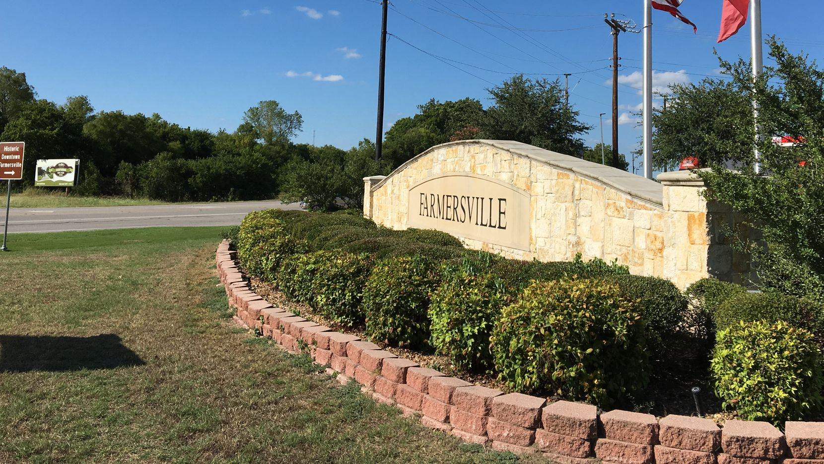 The U.S. Attorney's Office has notified the city of Farmersville that it is poised to file a lawsuit over the denial of a Muslim cemetery proposed by the Islamic Association of Collin County.