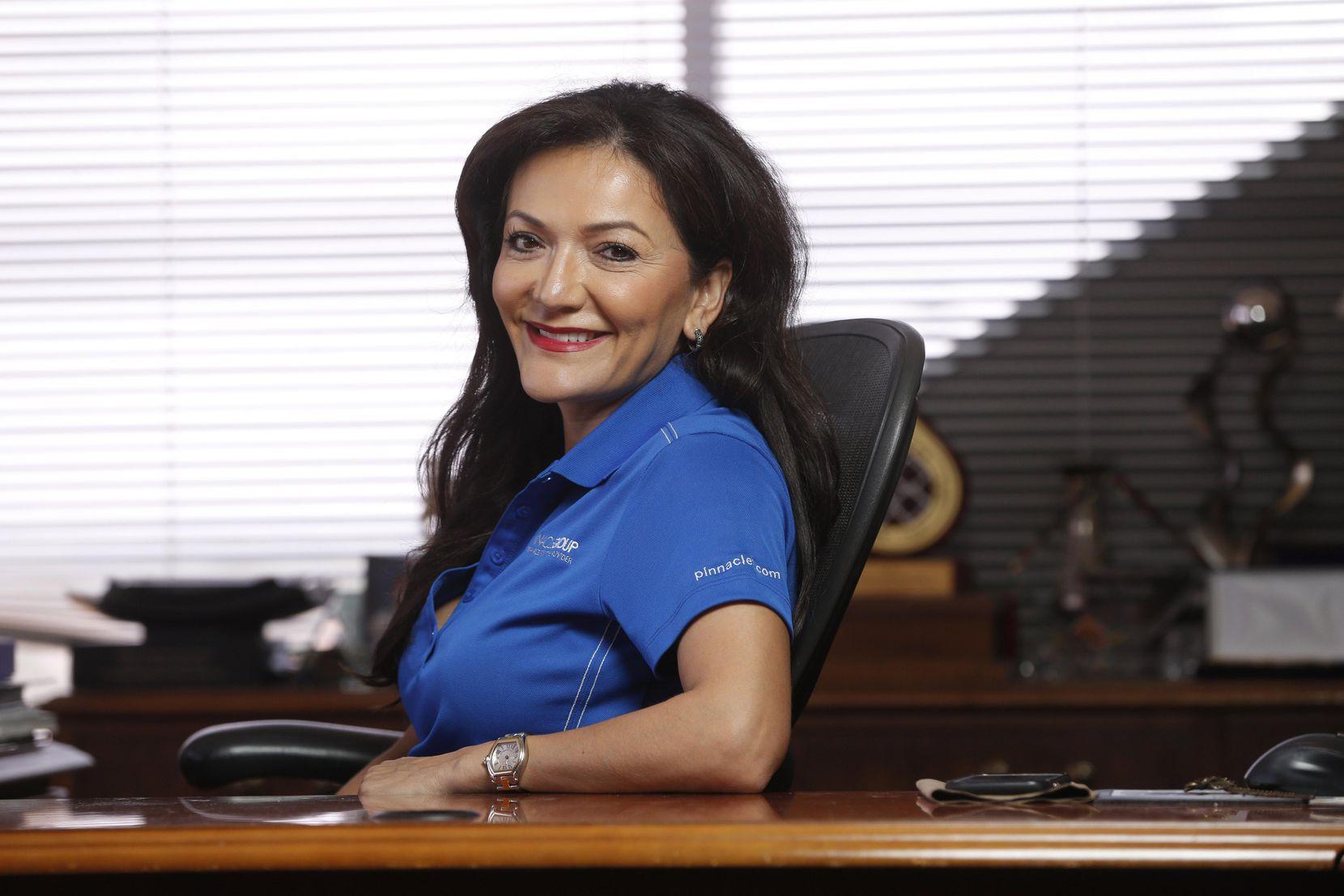 Nina Vaca, directora ejecutiva de Pinnacle Group, en su oficina en Dallas. (DMN/NATHAN HUNSINGER)