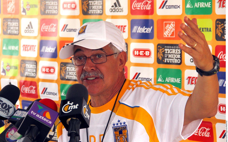Para el técnico de los Tigres, Ricardo Ferretti, la unión de grupo y el trabajo constante será lo que saque adelante a los felinos tras el mal arranque de torneo./ AGENCIA REFORMA