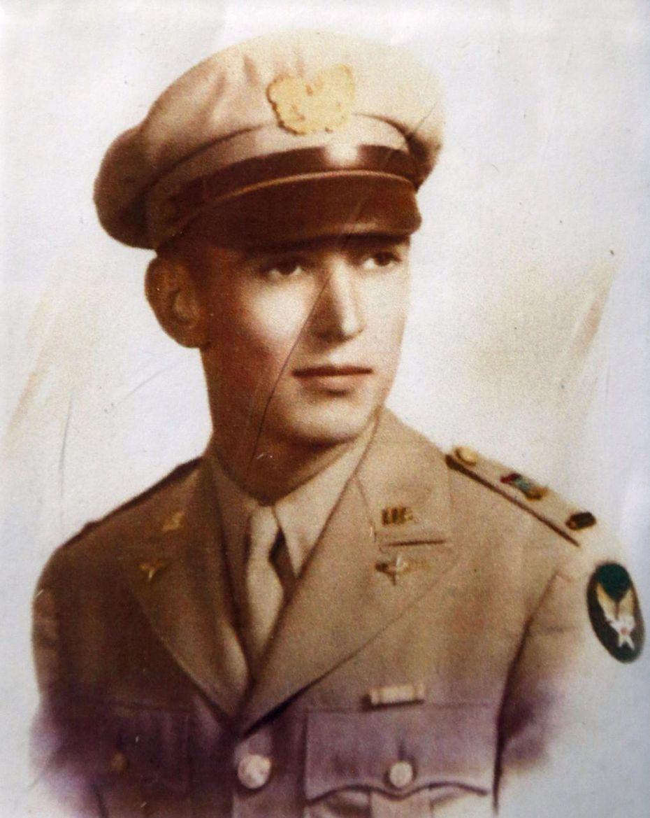 Elton B. Long, a World War II pilot