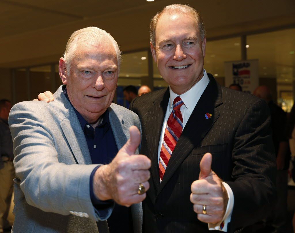 Herb Kelleher (left) and Gary Kelly -- Southwest Airlines chairman, president and CEO -- celebrated the end of the Wright amendment, which opened up  Dallas Love Field to non-stop flights in 2014.