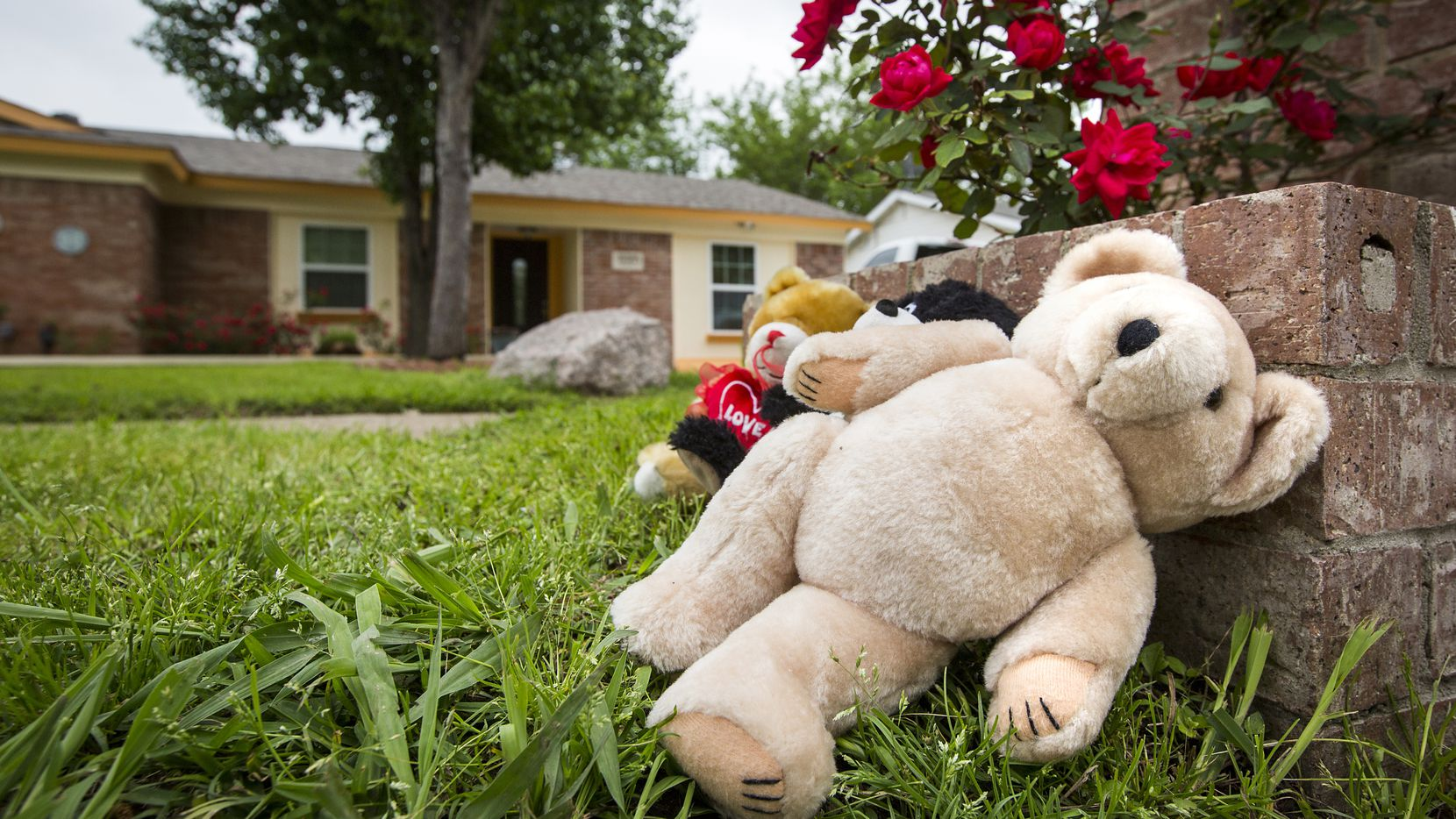 Teddy bears were left at the Balch Springs home where a 2-year-old boy starved to death at a commune where several church members lived.