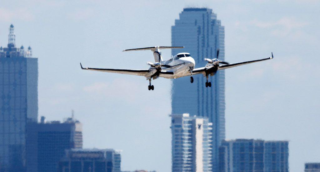 A corporate plane takes off from Dallas Love Field in Dallas, Monday, April 23, 2018. (Tom Fox/The Dallas Morning News)
