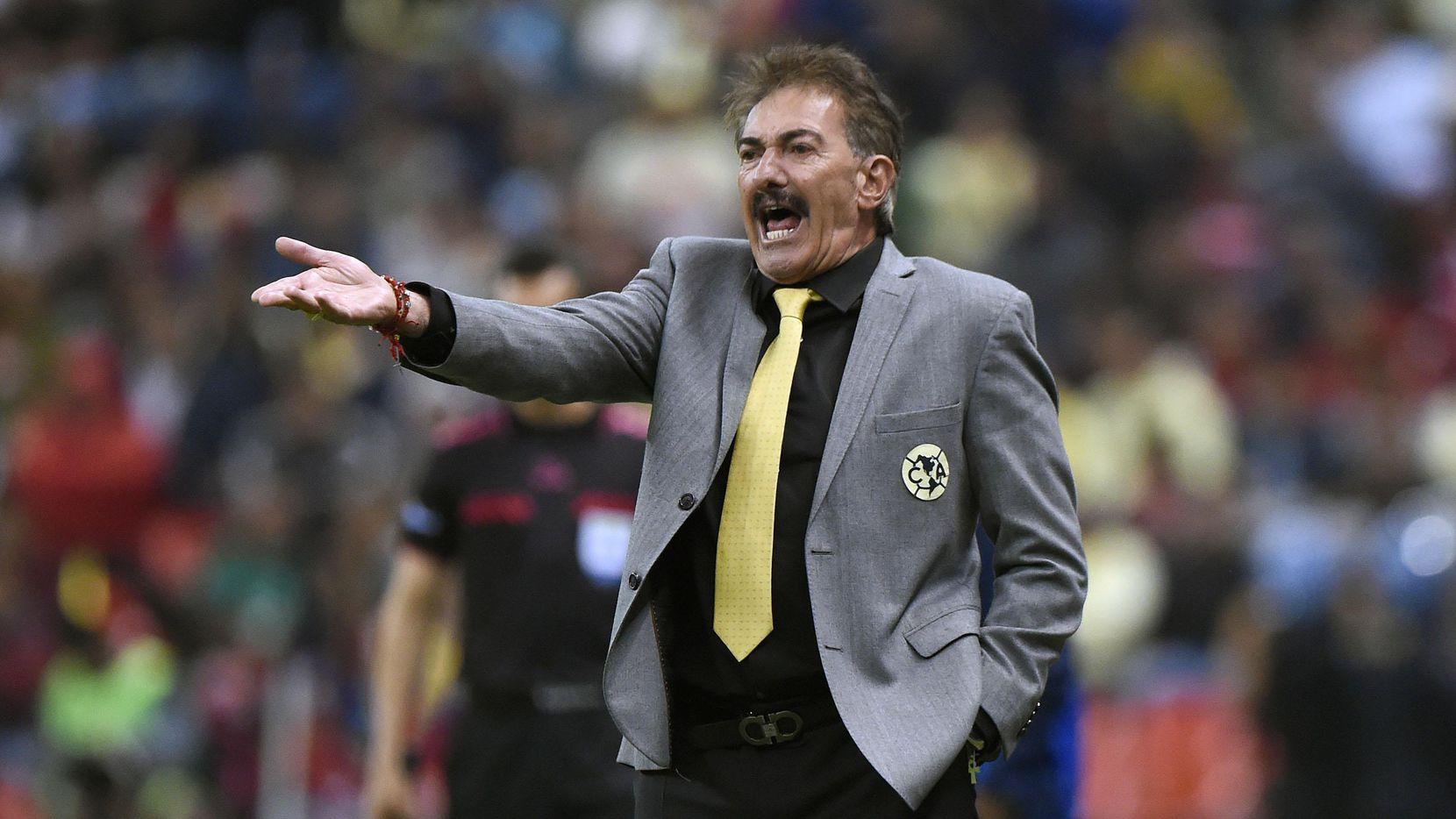 Ricardo Lavolpe fue técnico de la selección mexicana de 2002 a 2006. (AFP/Getty Images/ALFREDO ESTRELLA)