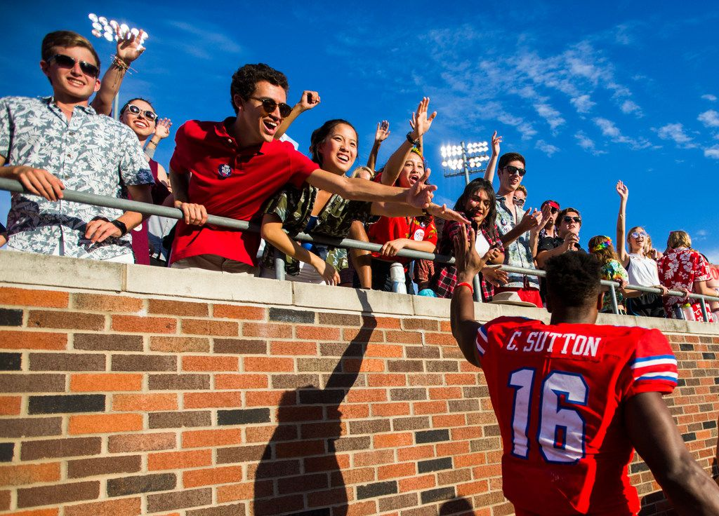Southern Methodist Mustangs wide receiver Courtland Sutton (16) celebrates with fans after a 49-28 win over the Connecticut Huskies on Saturday, September 30, 2017 at SMU's Ford Stadium in Dallas. (Ashley Landis/The Dallas Morning News)