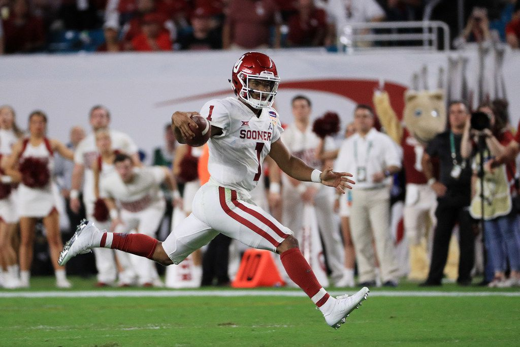 MIAMI, FL - DECEMBER 29:  Kyler Murray #1 of the Oklahoma Sooners runs the ball against the Alabama Crimson Tide during the College Football Playoff Semifinal at the Capital One Orange Bowl at Hard Rock Stadium on December 29, 2018 in Miami, Florida.  (Photo by Mike Ehrmann/Getty Images)
