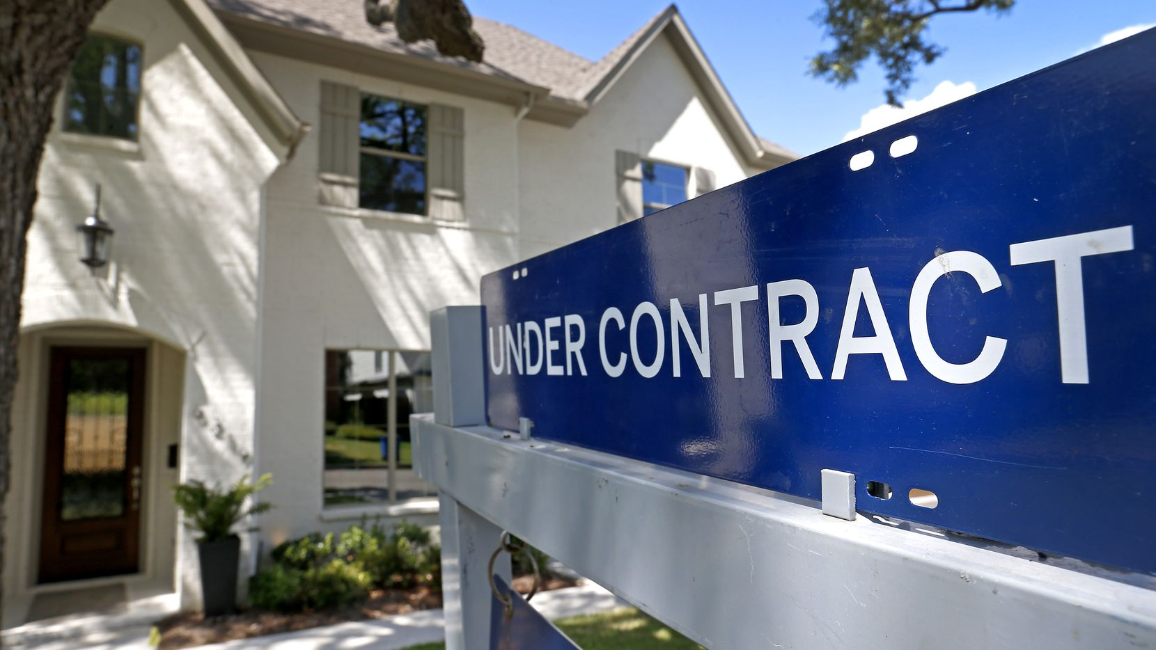 North Texas home sales fell 10 percent in January and prices were down in some neighborhoods.
