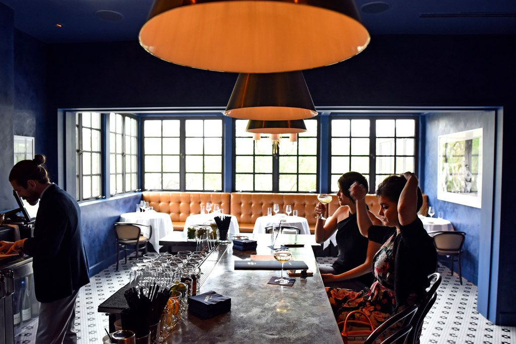 The small, airy bar at Fachini accommodates walk-ins.