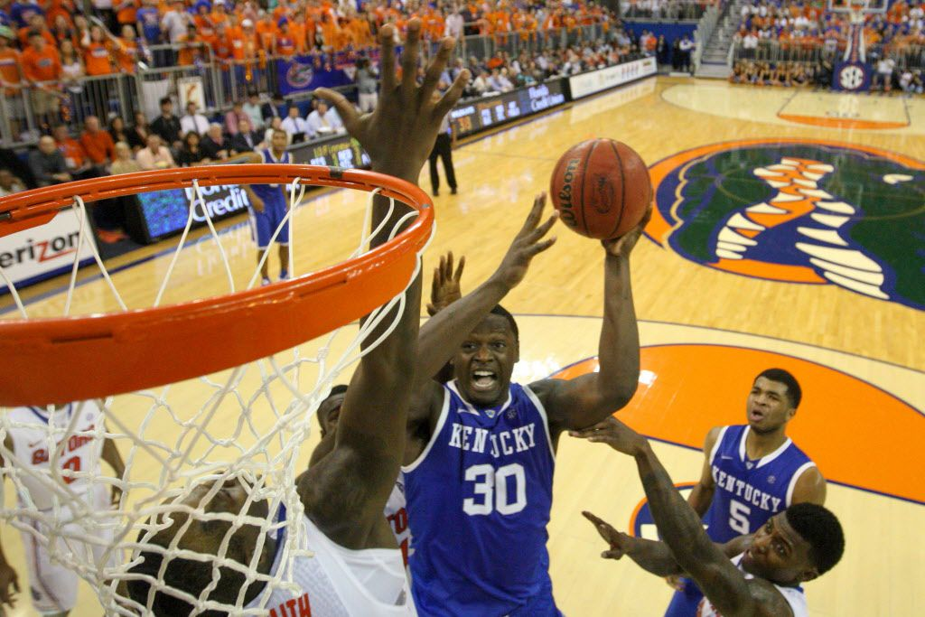 GAINESVILLE, FL - MARCH 08: Julius Randle #30 of the Kentucky Wildcats shoots the ball during the game against the Florida Gators at the Stephen C. O'Connell Center on March 8, 2014 in Gainesville, Florida. (Photo by Rob Foldy/Getty Images)