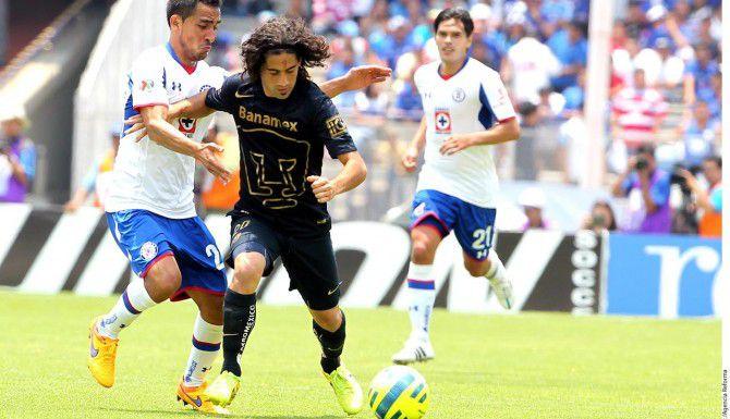 Matías Brito (centro) y los Pumas necesitan golear al Monterrey en el Tecnológico para avanzar a la Liguilla.(AGENCIA REFORMA)