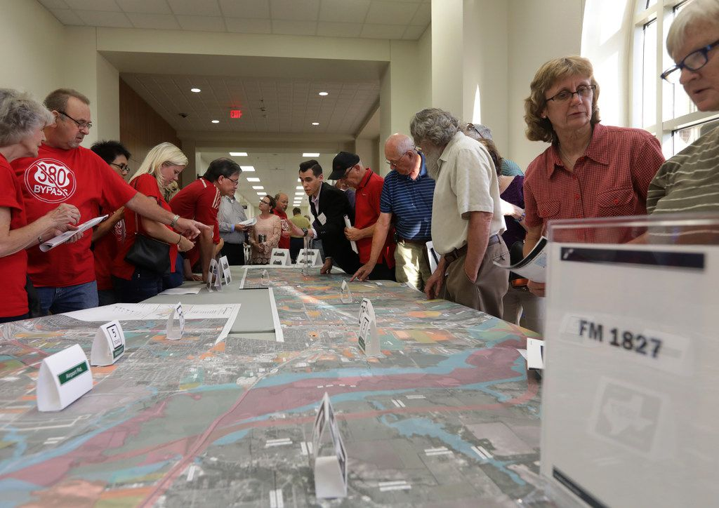 Residents and TxDOT representatives discussed plans to expand and improve U.S. Highway 380 at Independence High School in Frisco on Oct. 4, 2018.