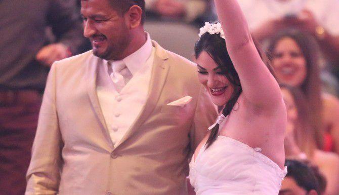 Una pareja de recien casados en el concierto de Marc Anthony en Dallas. /  Foto especial para AL Día Omar Vega