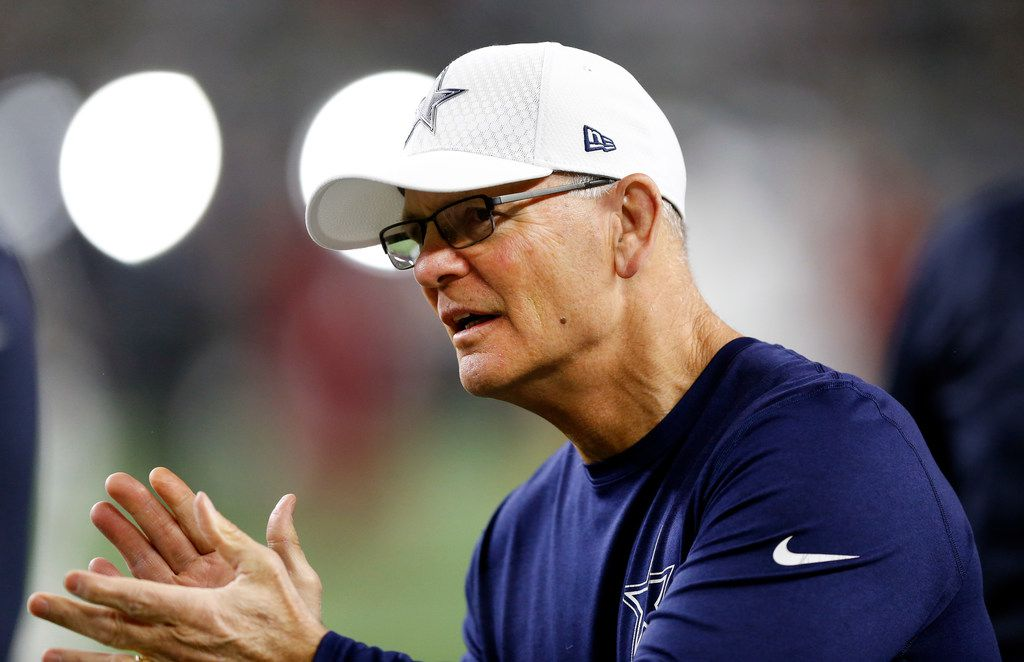 Dallas Cowboys defensive coordinator Rod Marinelli applauds his players as they warmup to face the Washington Redskins at AT&T Stadium in Arlington, Texas, Thursday, November 30, 2017. (Tom Fox/The Dallas Morning News)