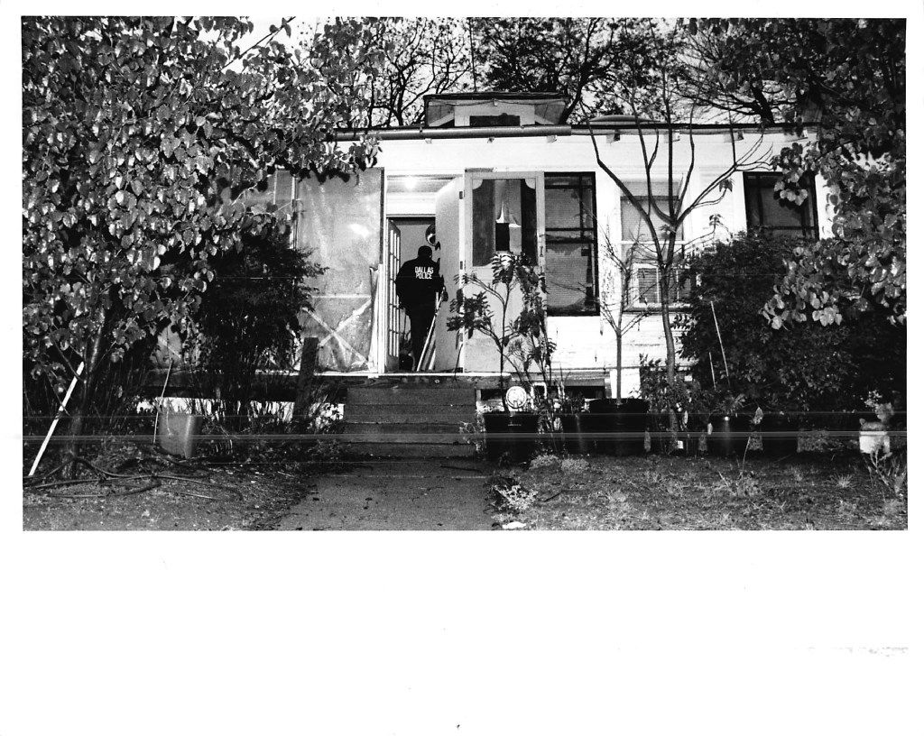 """Police search the Oak Cliff home of """"Eyeball Killer"""" suspect Charles Albright after his arrest on March 22, 1991. Albright was initially charged with the murders of four women, all found shot in the back of the head and with their eyes removed."""