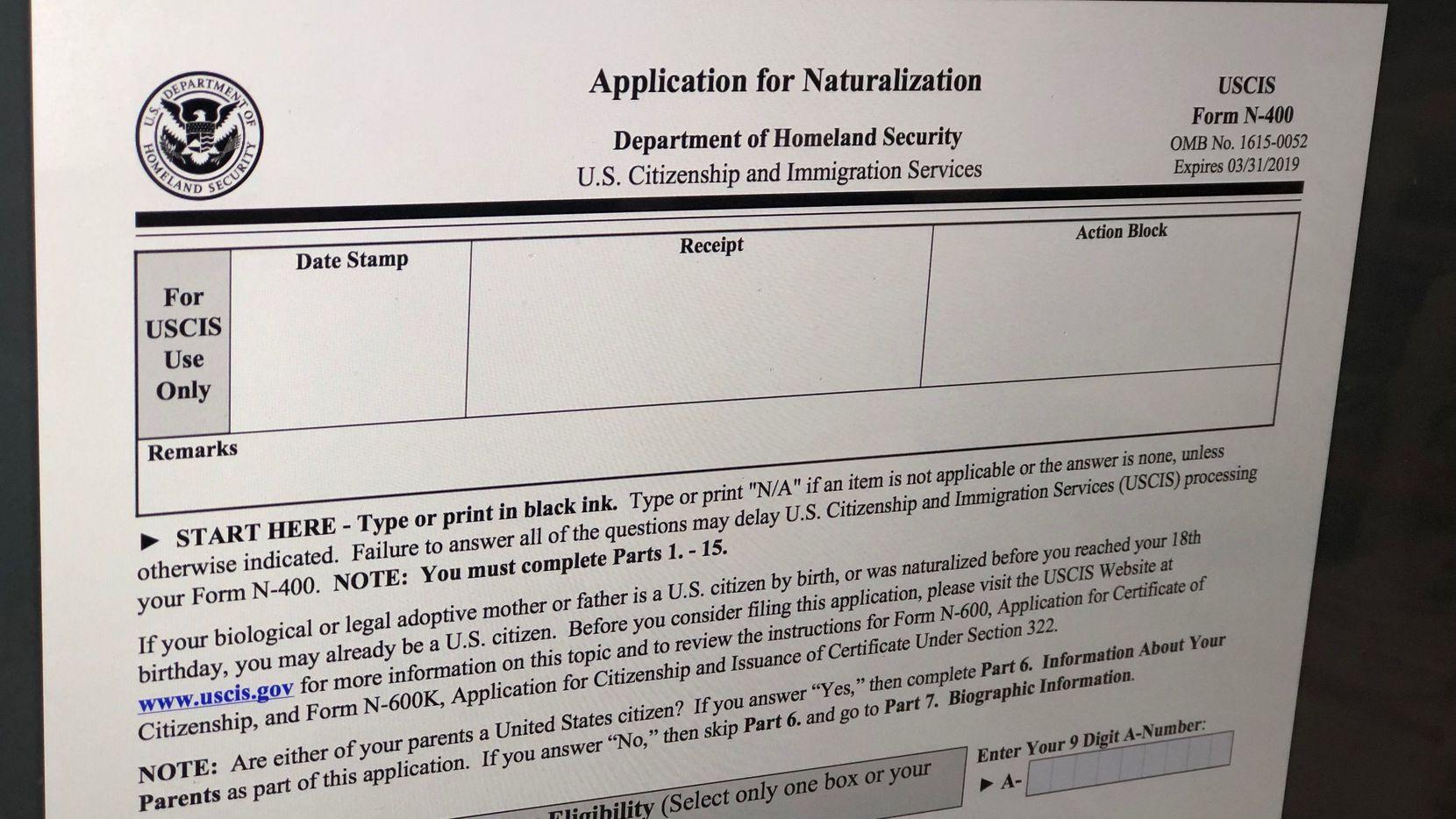 El formulario N-400 para solicitar la ciudadanía. AGENCIA REFORMA.