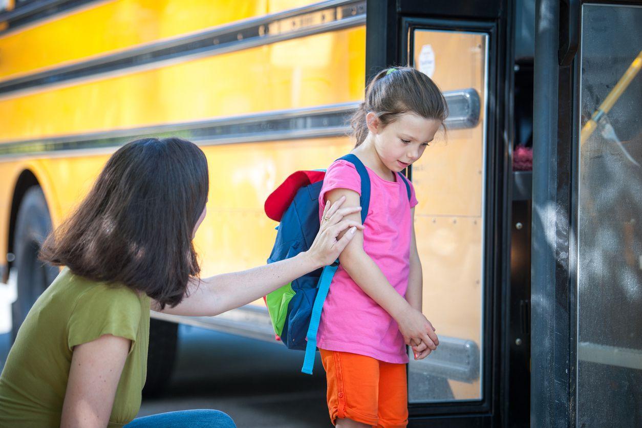 Expertos del Children's Health Hospital en Dallas dan consejos para vencer la ansiedad del regreso a clases.