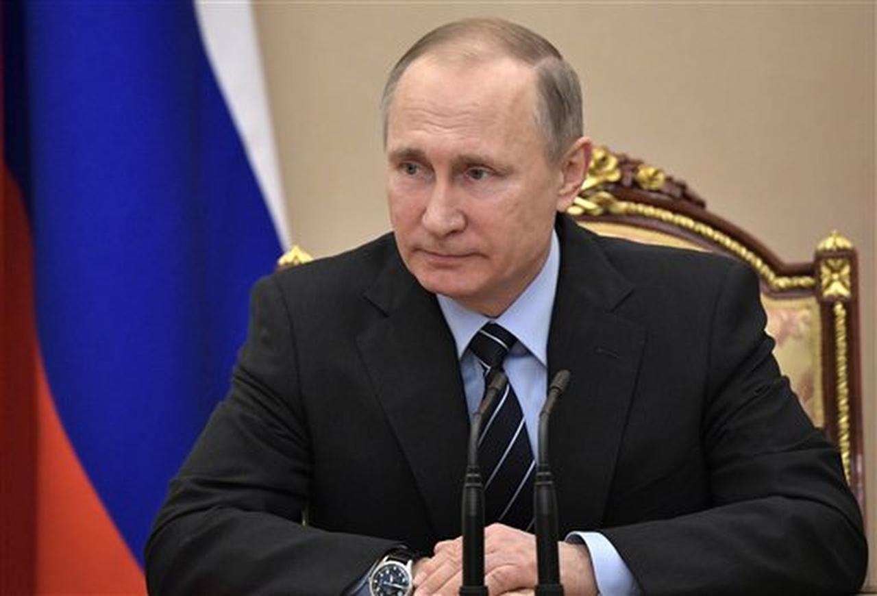 El presidente ruso Vladimir Putin encabeza una reunión de seguridad en Moscú, Rusia, el jueves 9 de febrero de 2017. (AP/ALEXEI NIKOLSKY)