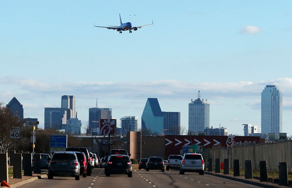 A Southwest Airlines airplane flies into Dallas Love Field Airport in Dallas, on Thursday, December 27, 2018. (Vernon Bryant/The Dallas Morning News)