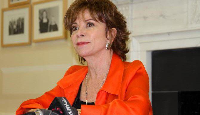 La autora chilena Isabel Allende recibirá la Medalla de la Libertad (AP/Eva Font)