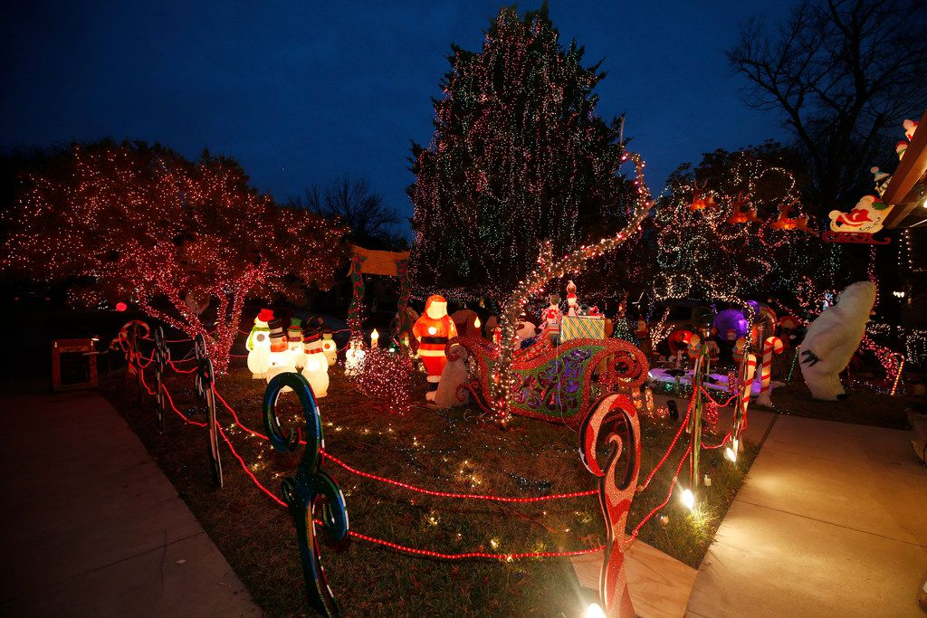 Liz Simmons, 54, says she's not a perfectionist, but she does strive for excellence when it comes to her decorations.