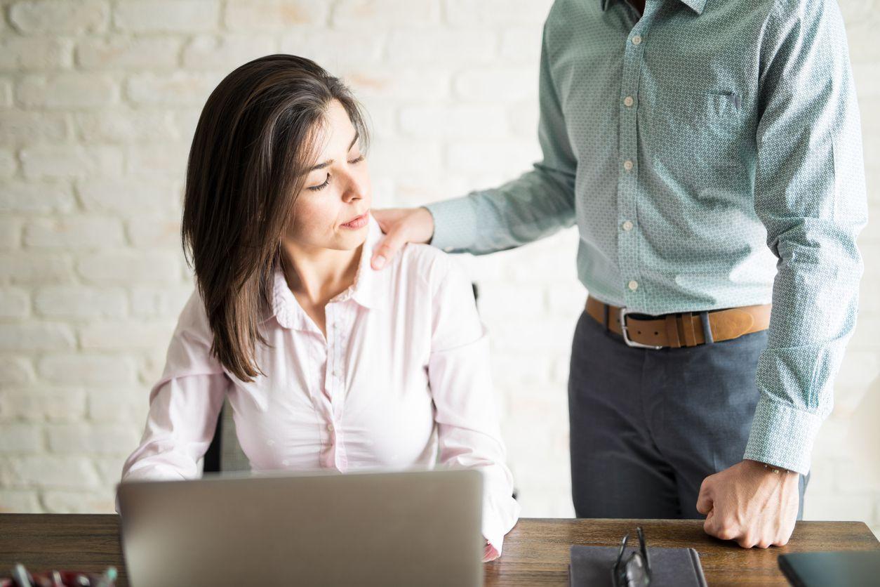 Los casos de acoso y conductas inapropiadas en el lugar de trabajo están bajo la lupa. /iStock