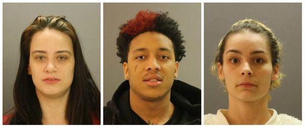 Rachel Burden, Anthony Rashad George, Jessica Yasmyn Ontiveros están detenido en la cárcel del condado.