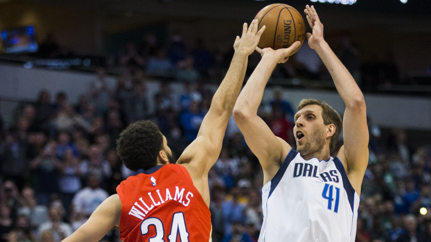 Dallas Mavericks forward Dirk Nowitzki (41) takes a shot to pass Wilt Chamberlain for the 6th NBA all-time scoring record during the first quarter of an NBA game between the Dallas Mavericks and the New Orleans Pelicans on Monday, March 18, 2019 at American Airlines Center in Dallas. (Ashley Landis/The Dallas Morning News)