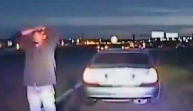 Un ex policía de Dallas quiere dar clases a migrantes en el consulado mexicano de cómo actuar cuando los detiene la policía. El objetivo es evidar más muertes como la de Rubén García Villalpando (izq.) (Policía de Grapevine/CORTESÍA)