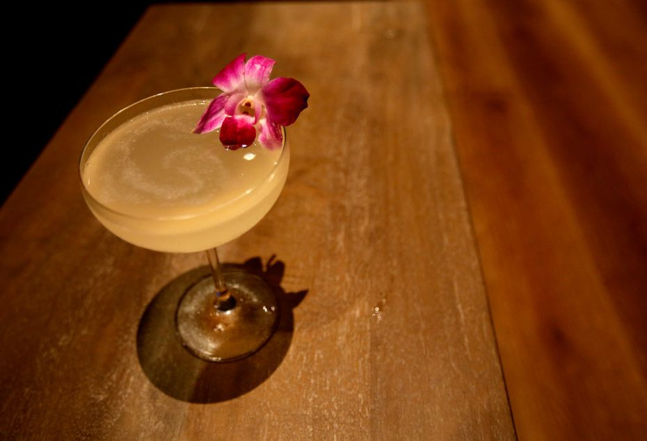 The Julietta cocktail from North Italia features vanilla & ginger-infused Smirnoff, St. Germain, lime and Prosecco.