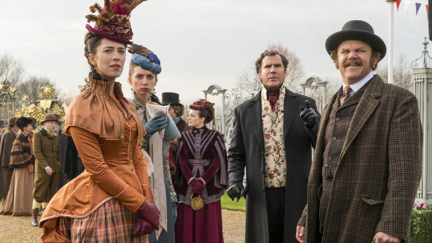 Millie (Lauren Lapkus), Grace (Rebecca Hall), Sherlock Holmes (Will Ferrell), y Watson (John C. Reilly).(COLUMBIA PICTURES)