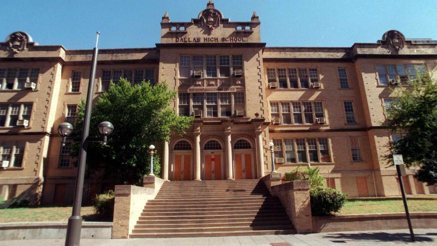 The old Dallas High School was built over 100 years ago and will be turned into an office and mixed-use project. (DMN files)
