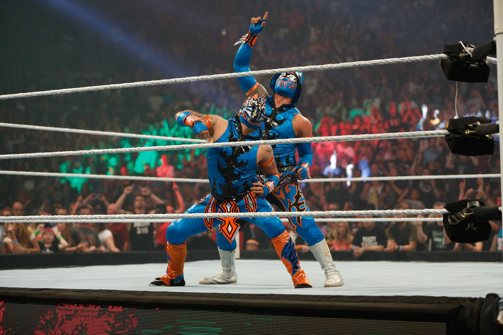 Los Lucha Dragons
