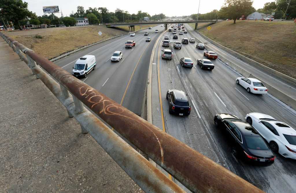 Overpasses at 8th Street and Beckley Avenue in Dallas have caused full-scale shutdowns of Interstate 35E in Oak Cliff this summer as TxDOT proceeds on the Southern Gateway project.