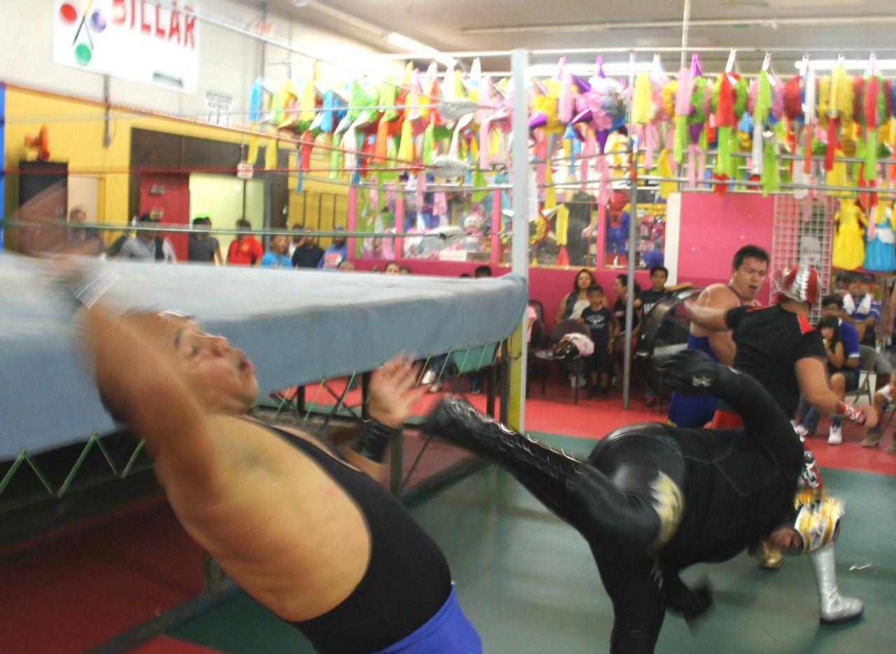 El Irving Bazaar era uno de los locales en Dallas donde se realizan funciones de lucha libre.(NEIGHBORSGO)
