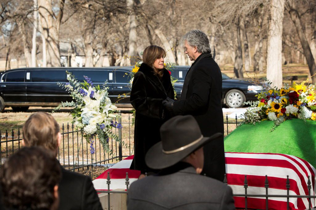 A scene from TNT's Dallas Season 2, with Sue Ellen (Linda Gray) and Bobby Ewing (Patrick Duffy) mourning the death of J.R.