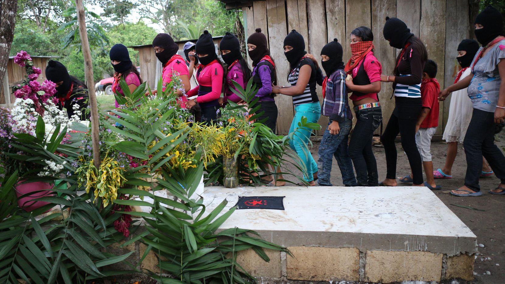 Una comunidad en Chiapas con pobladores del Ejército Zapatista de Liberación Nacional.(GETTY IMAGES)
