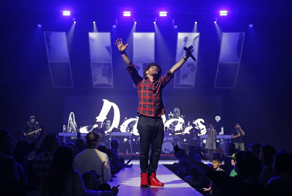 Toby Mac performs at the Verizon Theatre in Grand Prairie on Saturday, December 5, 2015. (Louis DeLuca/The Dallas Morning News)